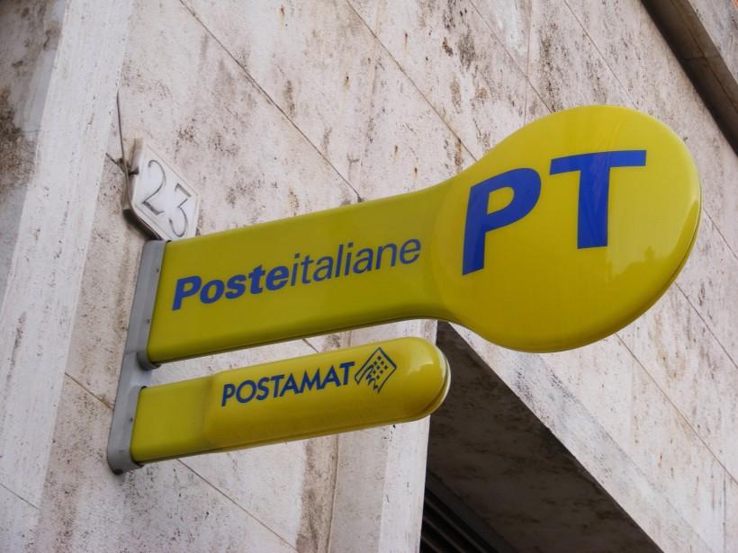 Poste. Sit in di protesta a Firenze