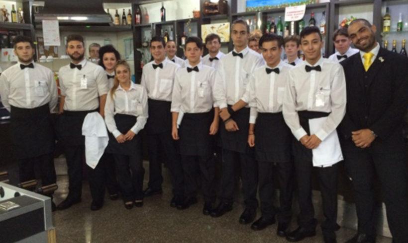 Dalla dispersione scolastica al diploma di ristorazione: l'esperienza di 17 giovani